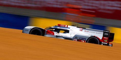 Automotive tire, Automotive design, Race track, Motorsport, Car, Automotive wheel system, Formula one tyres, Race car, Racing, Auto racing,
