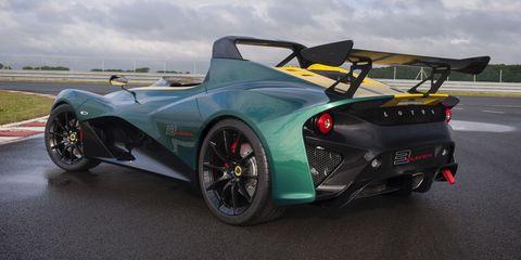 Tire, Wheel, Mode of transport, Automotive design, Vehicle, Rim, Car, Supercar, Performance car, Sports car,