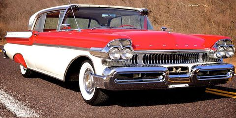 Motor vehicle, Automotive design, Vehicle, Land vehicle, Automotive exterior, Vehicle door, Car, Hood, Classic car, Grille,