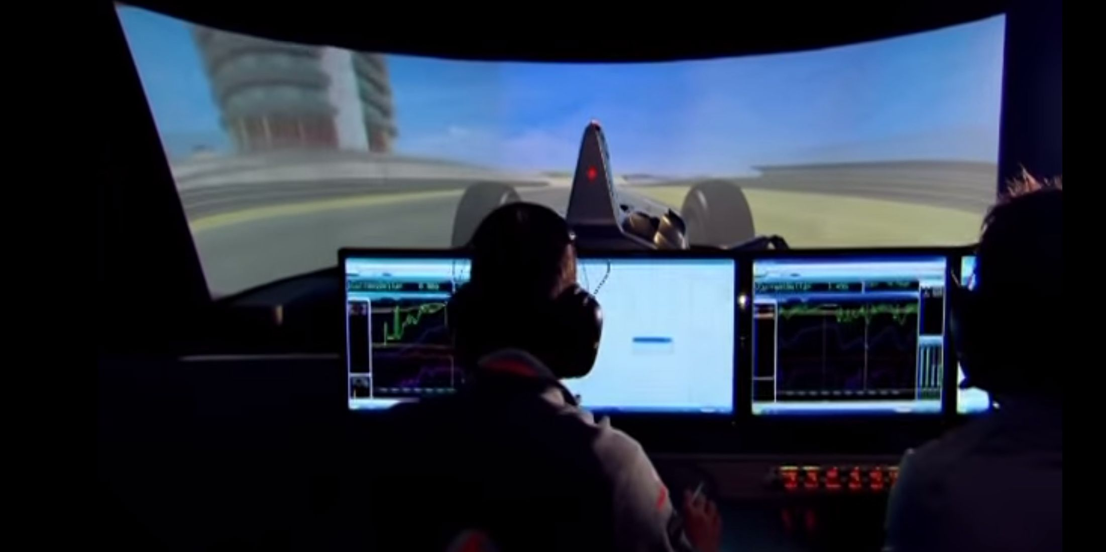mclaren's incredible formula 1 simulator as demonstratedfernando