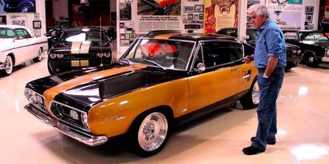 Tire, Wheel, Vehicle, Land vehicle, Automotive design, Car, Classic car, Hood, Hardtop, Classic,