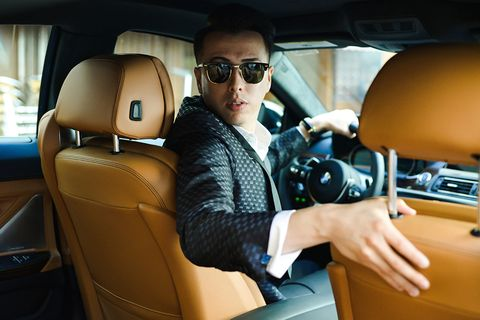<p>What goes perfectly with those new driving loafers to stand out amongst LA's most stylish? The new BMW 6 Series, made with the kind of craftsmanship you demand.</p>