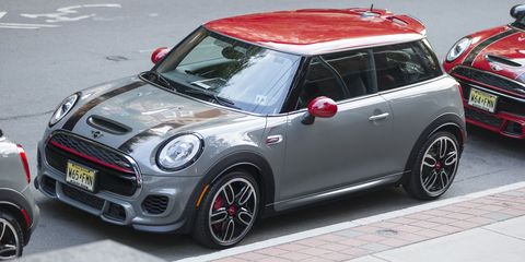 Hot Hatchbacks We Re Told Are Supposed To Be A Little Raucous Edgy And Brash In The Name Of Sd 2017 Mini John Cooper Works Hardtop Is