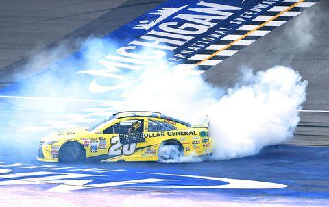Tire, Automotive design, Motorsport, Car, Automotive decal, Racing, Auto racing, Race car, Smoke, Automotive tire,