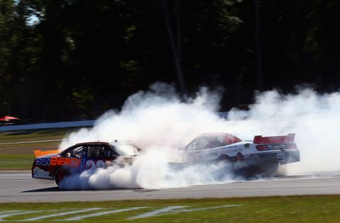 Vehicle, Land vehicle, Motorsport, Automotive tire, Car, Smoke, Racing, Automotive exterior, Race car, Auto racing,