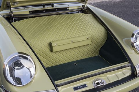 Motor vehicle, Automotive design, Automotive exterior, Trunk, Car, Classic, Classic car, Automotive lighting, Light, Hood,