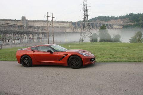Tire, Automotive design, Vehicle, Rim, Performance car, Alloy wheel, Car, Automotive tire, Supercar, Fender,