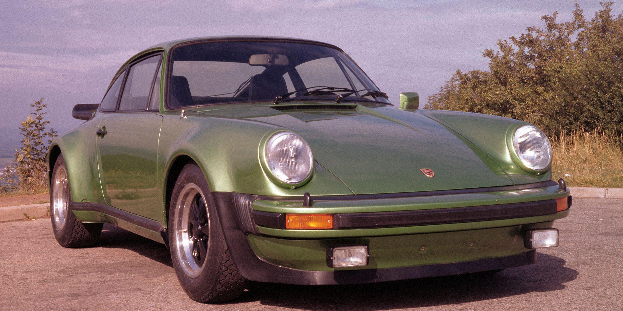 Porsche 911 History - 40+ Facts About the Legendary Porsche 911 on 2000 porsche 911 carrera s, 2000 porsche 911 convertible, 2000 porsche 911 carrera 4, 2000 porsche cayenne, 2000 porsche 911 hardtop, 2000 porsche boxster, 2000 porsche 911 carrera coupe, used 911 targa, 2000 porsche 911 turbo, 2000 porsche cayman,