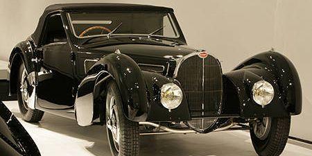Mode of transport, Automotive design, Vehicle, Land vehicle, Automotive lighting, Car, Classic car, Photograph, Headlamp, Classic,