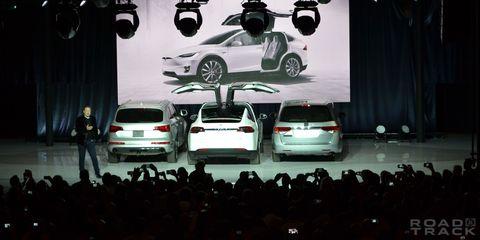 Automotive design, Vehicle, Land vehicle, Car, Automotive mirror, Alloy wheel, Personal luxury car, Luxury vehicle, Performance car, Rim,