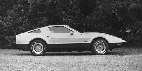 Tire, Wheel, Vehicle, Car, Rim, White, Classic car, Fender, Automotive tire, Alloy wheel,