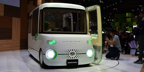 Motor vehicle, Mode of transport, Automotive design, Green, Transport, Commercial vehicle, Headlamp, Automotive exterior, Floor, Bus,