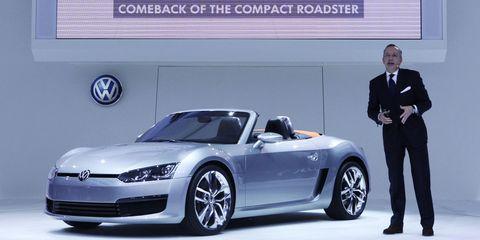 Tire, Wheel, Automotive design, Vehicle, Land vehicle, Car, Alloy wheel, Automotive wheel system, Rim, Personal luxury car,