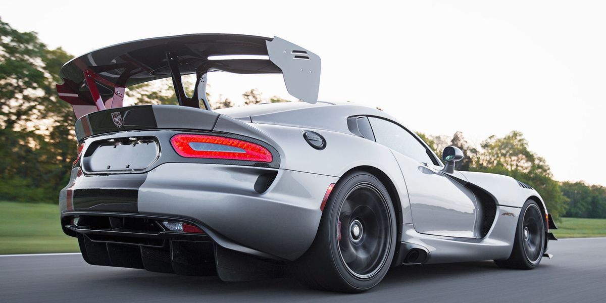 SRT 2016 Viper ACR Extreme - 6 March 2016 - Autogespot |Viper With Spoiler