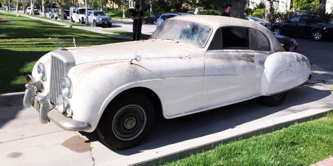 This Bentley Is A More Accurate James Bond Car Than The Aston Martin Db5