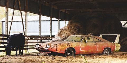 That Barn-Find 1969 Dodge Charger Daytona Only Got $90,000 at Auction