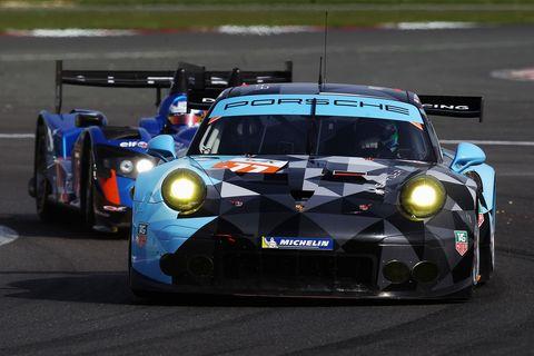 Automotive design, Vehicle, Sports car racing, Motorsport, Race track, Car, Touring car racing, Performance car, Sports car, Race car,