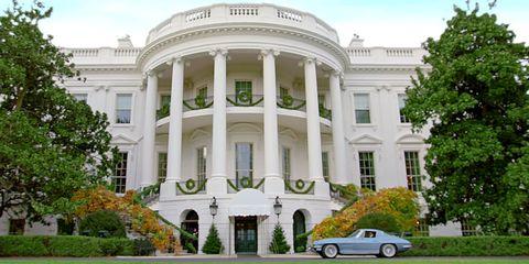 Facade, Automotive parking light, Real estate, Door, Alloy wheel, Vehicle door, Mansion, Luxury vehicle, Official residence, Column,