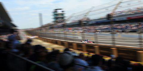 People, Sport venue, Race track, Urban area, Crowd, World, Racing, Metropolis, Auto racing, Motorsport,