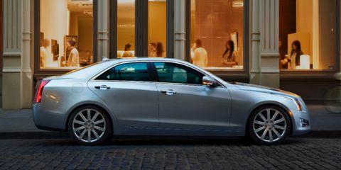 Tire, Wheel, Automotive design, Vehicle, Alloy wheel, Land vehicle, Spoke, Rim, Car, Full-size car,