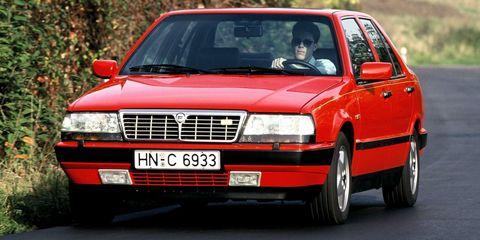 Lancia Thema 8.32 front