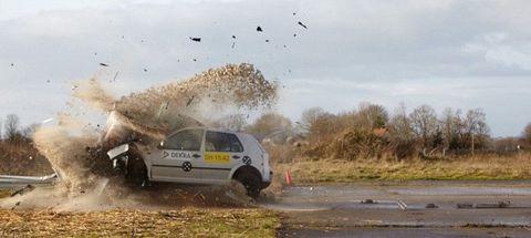 Motor vehicle, Car, Off-roading, Bird, Plain, Soil, Motorsport, Dust, Hatchback, Off-road racing,