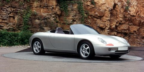 Tire, Wheel, Automotive design, Mode of transport, Vehicle, Automotive parking light, Automotive lighting, Alloy wheel, Rim, Car,