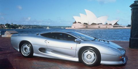Tire, Wheel, Mode of transport, Automotive design, Transport, Vehicle, Car, Automotive wheel system, Rim, Automotive mirror,
