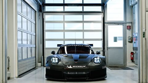 Why Won't Porsche Show the Rear of Its 2017 911 GTE Race Car?