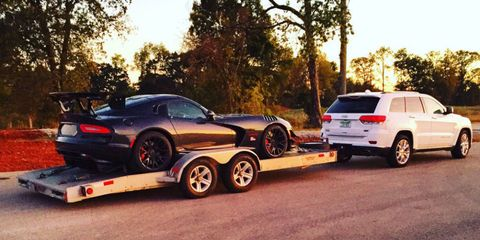 The Dodge Viper ACR Creates So Much Downforce It Reduces MPG While Being Towed