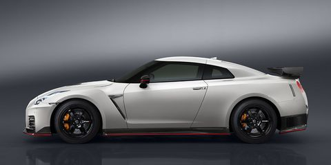 2017 Nissan Gt R Nismo Specs And Photos Of The Updated Gtr Nismo