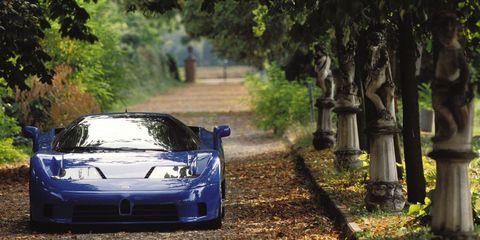 Automotive design, Vehicle, Hood, Car, Performance car, Automotive exterior, Automotive lighting, Headlamp, Fender, Sports car,