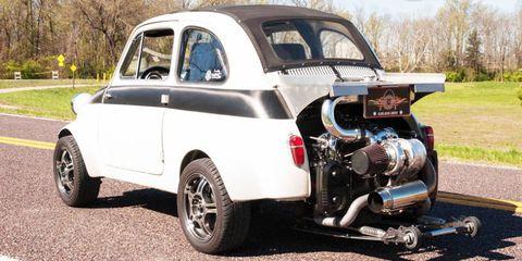 Motor vehicle, Tire, Vehicle, Land vehicle, Automotive tire, Rim, Vehicle door, Car, Fender, Automotive wheel system,