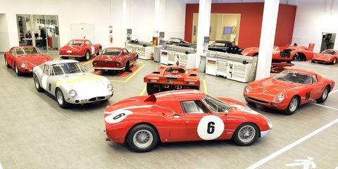 Tire, Wheel, Automotive design, Land vehicle, Vehicle, Car, Automotive parking light, Sports car, Classic car, Performance car,