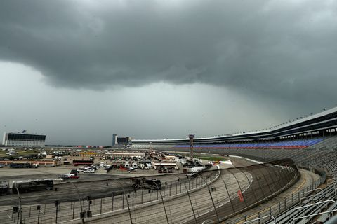 Road, Cloud, Infrastructure, Road surface, Atmospheric phenomenon, Race track, Thoroughfare, Storm, Guard rail, Tar,