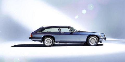 Tire, Wheel, Automotive design, Vehicle, Car, Automotive parking light, Fender, Rim, Classic car, Automotive exterior,