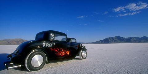 Tire, Motor vehicle, Wheel, Automotive tire, Mode of transport, Automotive design, Blue, Automotive exterior, Automotive lighting, Vehicle door,