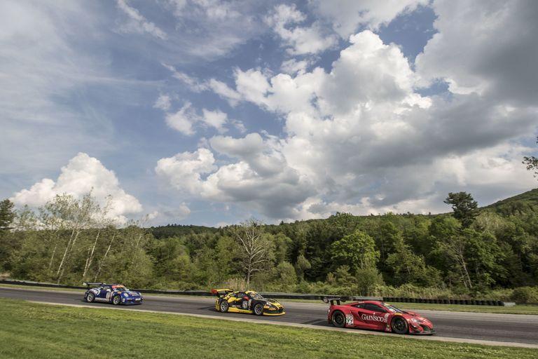 10 Race Car Tracks Everyone Must Drive - Best Racing Tracks