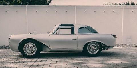 Glockler-Porsche side