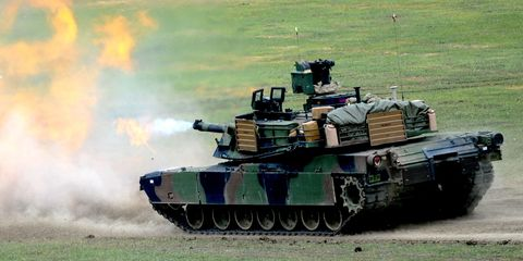Mode of transport, Tank, Combat vehicle, Military vehicle, Self-propelled artillery, Machine, Army, Camouflage, Military camouflage, Military,