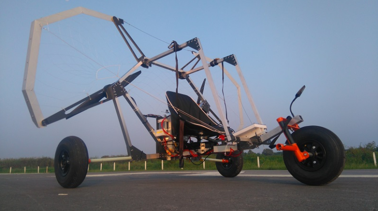This Bare Bones Electric Trike Can Fly