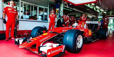Tire, Wheel, Automotive tire, Automotive design, Open-wheel car, Vehicle, Formula one tyres, Automotive wheel system, Formula one, Formula one car,