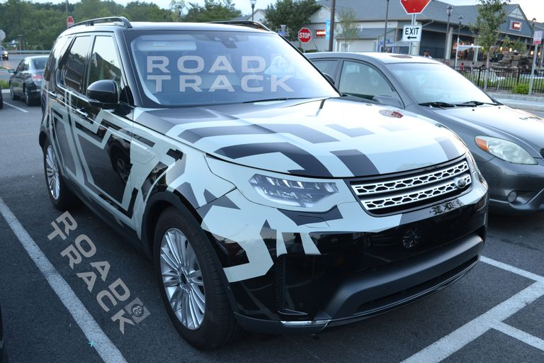 Spied 2017 Land Rover Discovery
