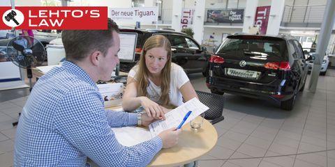 Land vehicle, Automotive tail & brake light, Vehicle registration plate, Sharing, Sport utility vehicle, Family car, Bumper, Luxury vehicle, Service, Crossover suv,