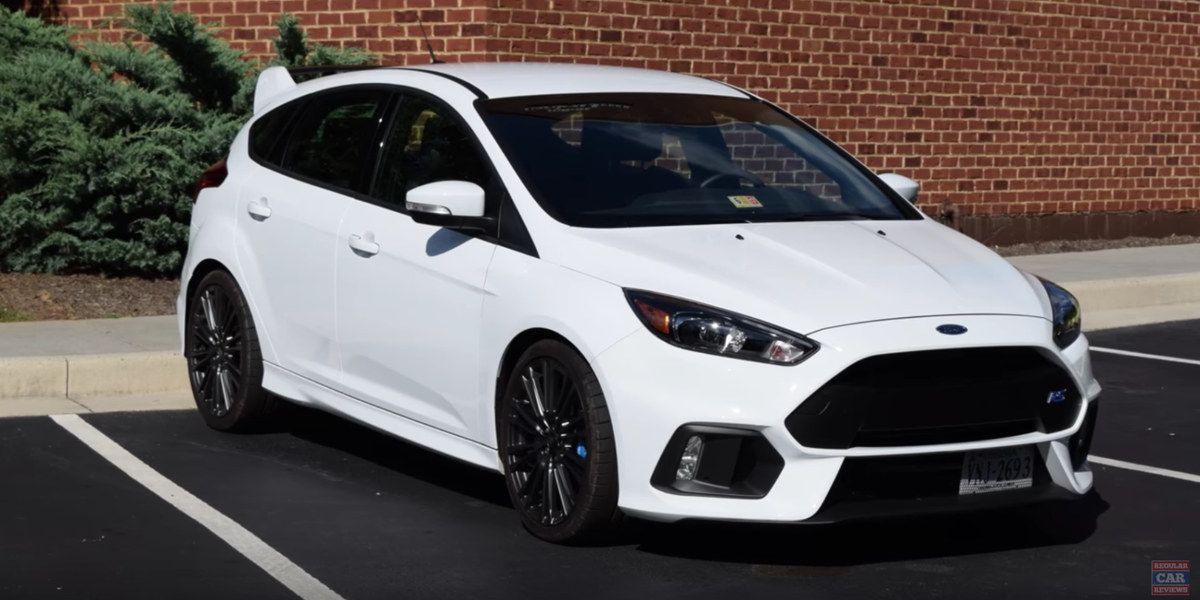 ford focus rs   ultimate family sports car