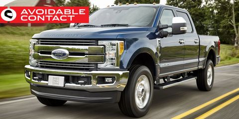 Tire, Motor vehicle, Wheel, Automotive tire, Vehicle, Automotive design, Land vehicle, Transport, Rim, Grille,