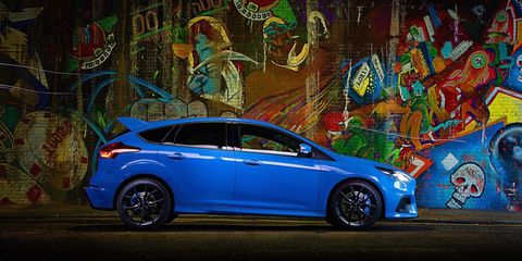 Wheel, Tire, Blue, Automotive design, Vehicle, Car, Rim, Majorelle blue, Alloy wheel, Automotive wheel system,