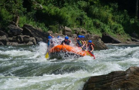 Body of water, Rapid, Water resources, Water, Recreation, Inflatable boat, Fluvial landforms of streams, Leisure, River, Tourism,