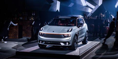 Automotive design, Vehicle, Headlamp, Grille, Car, Hood, Alloy wheel, Automotive lighting, Bumper, Automotive fog light,