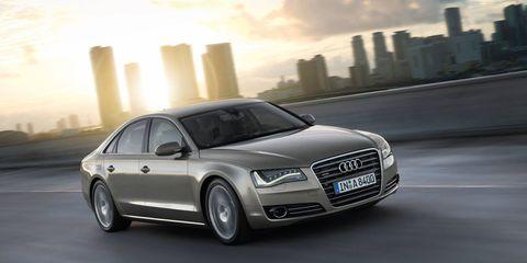 Tire, Automotive design, Mode of transport, Vehicle, Headlamp, Grille, Transport, Automotive lighting, Automotive parking light, Automotive mirror,